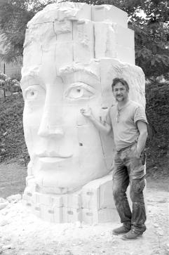 sculpture-monumentale-fragulphe-et-le-sculpteur