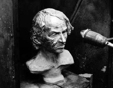 michel-houellebecq-bronze-buste-par-lartigue-25