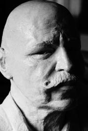 homme-a-la-moustache-buste-par-lartigue