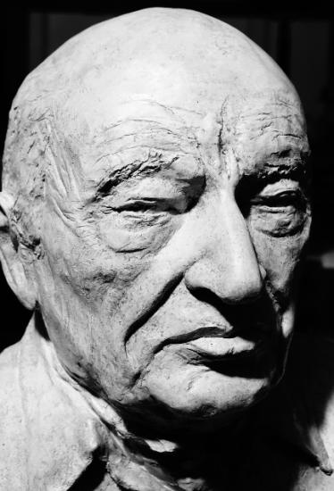 Buste de Edgar Morin par Lartigue 2