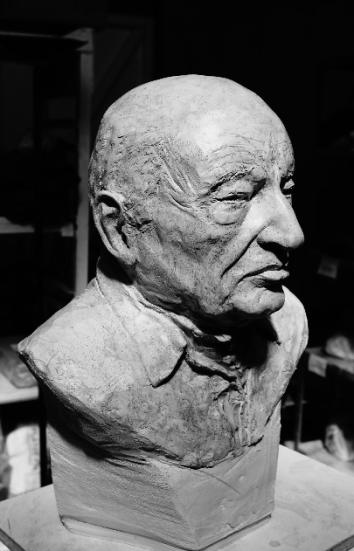 Buste de Edgar Morin par Lartigue 3