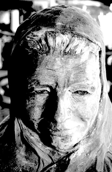 Buste de Yourcenar réparé - Lartigue