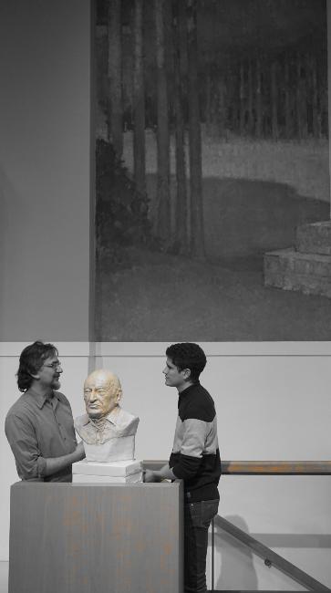 Avec Edgar Morin- buste réalisé par Lartigue 3
