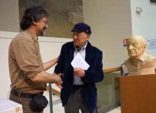 Avec Edgar Morin- buste réalisé par Lartigue 9