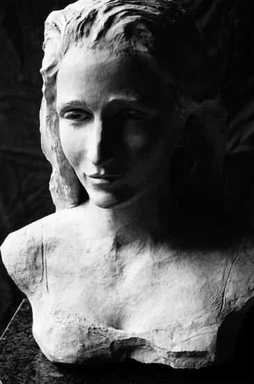 Marianne - buste terre cuite sur marbre 3