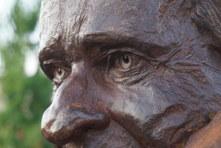 Monument Jean d'Ormesson - buste - Lartigue 14