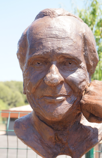 Monument Jean d'Ormesson - buste - Lartigue 7
