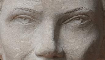 buste en pierre Simone Veil - Gérard Lartigue 3