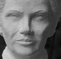 buste en pierre Simone Veil - Gérard Lartigue 5