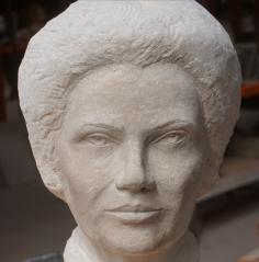 buste en pierre Simone Veil - Gérard Lartigue 7